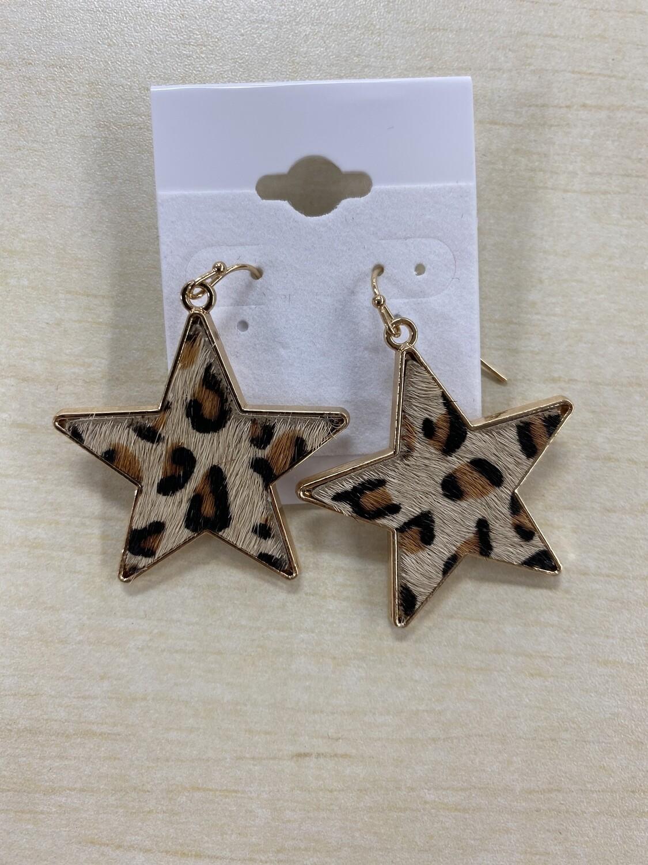 Med Star Textured Leopard Gold Earrings