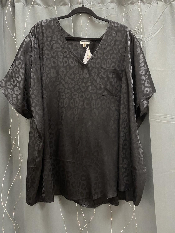 Silky Black Cheetah Top (Plus)
