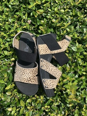 Corkys Newton Speckled Wedges