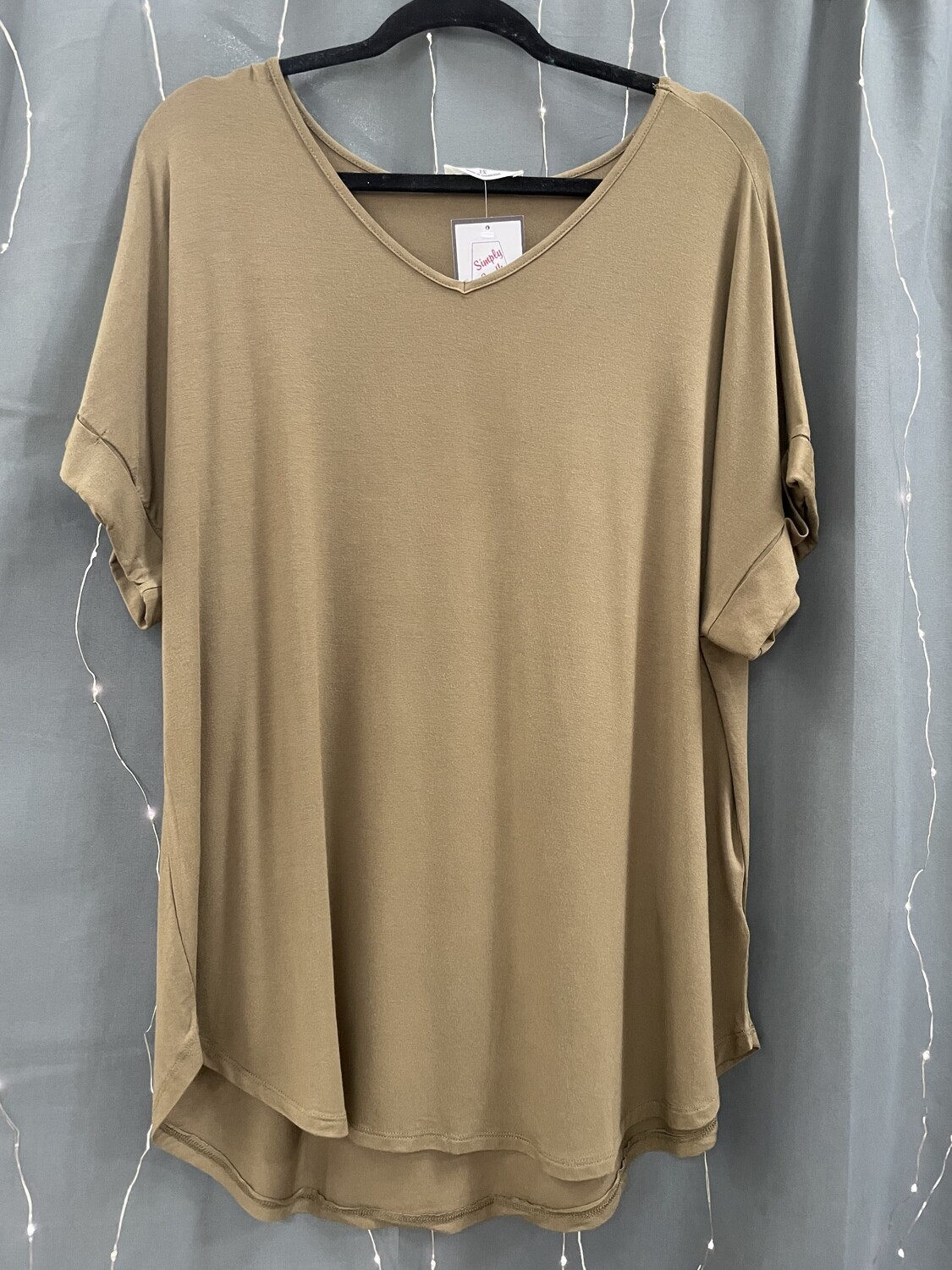 Solid Color Rolled Sleeve V-Neck Top (Plus)