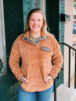 Simply Southern Pullover Sherpa Camel Leo