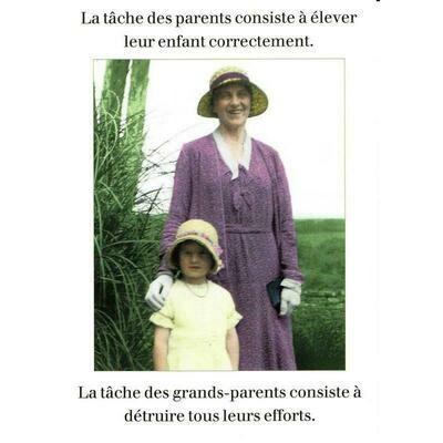 Carte postale - La tâche des parents consiste à élever leur enfant correctement, la tâche des grands-parents consiste à détruire tous leurs efforts