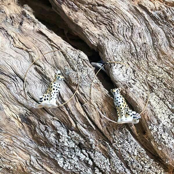 Sitting Cheetah Hoops