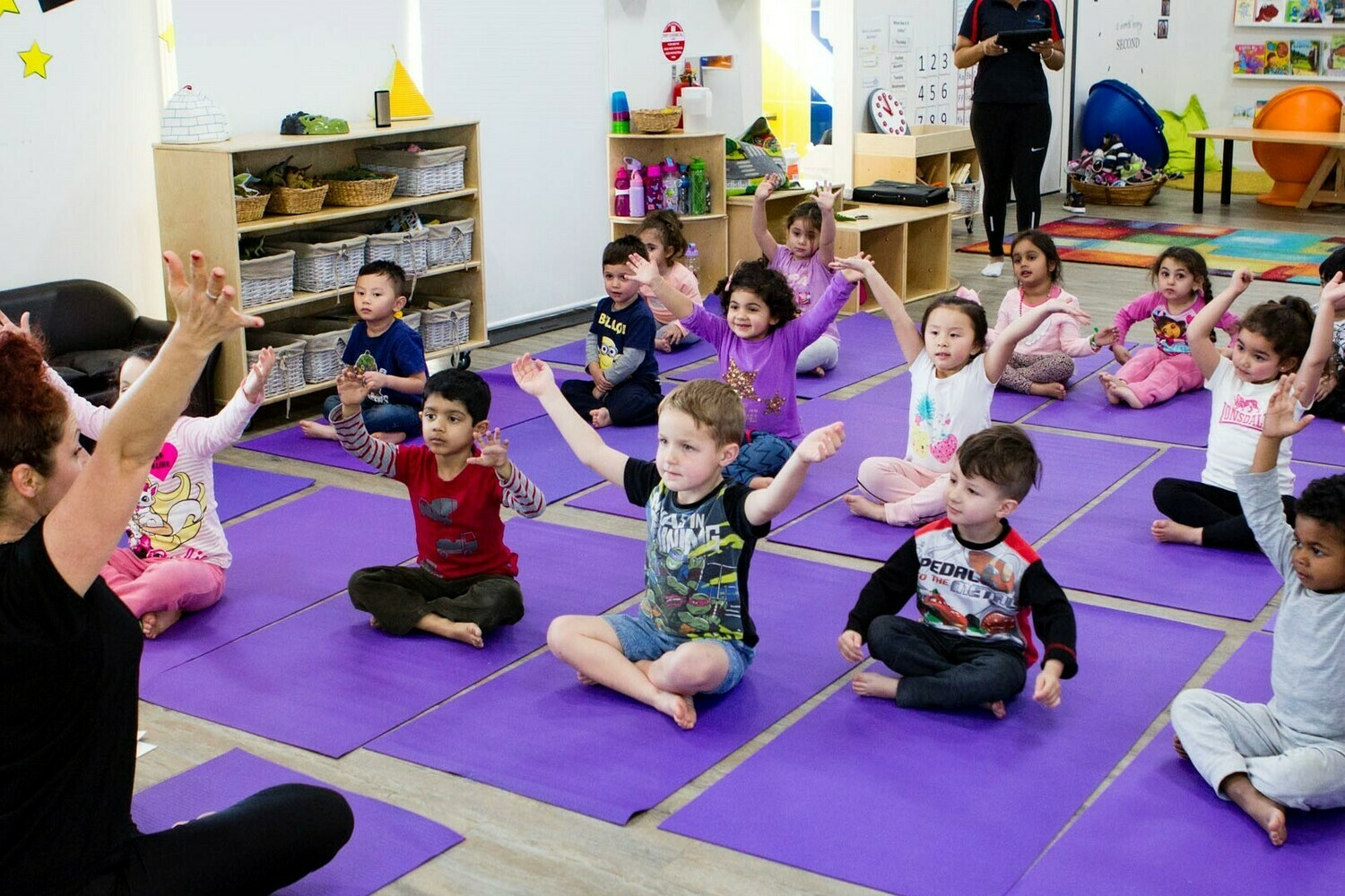 connect kids YOGA Complimentary TRIAL CLASS