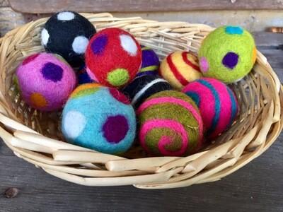 Set Of 12 Decorative Wool Felt Balls ( Approx 4 - 5 Cm High) In Basket -1 Set Only
