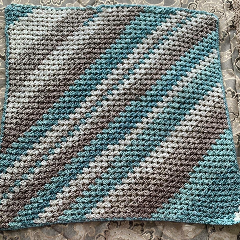 Clearance C2C Blanket Blanket in Ocean colours