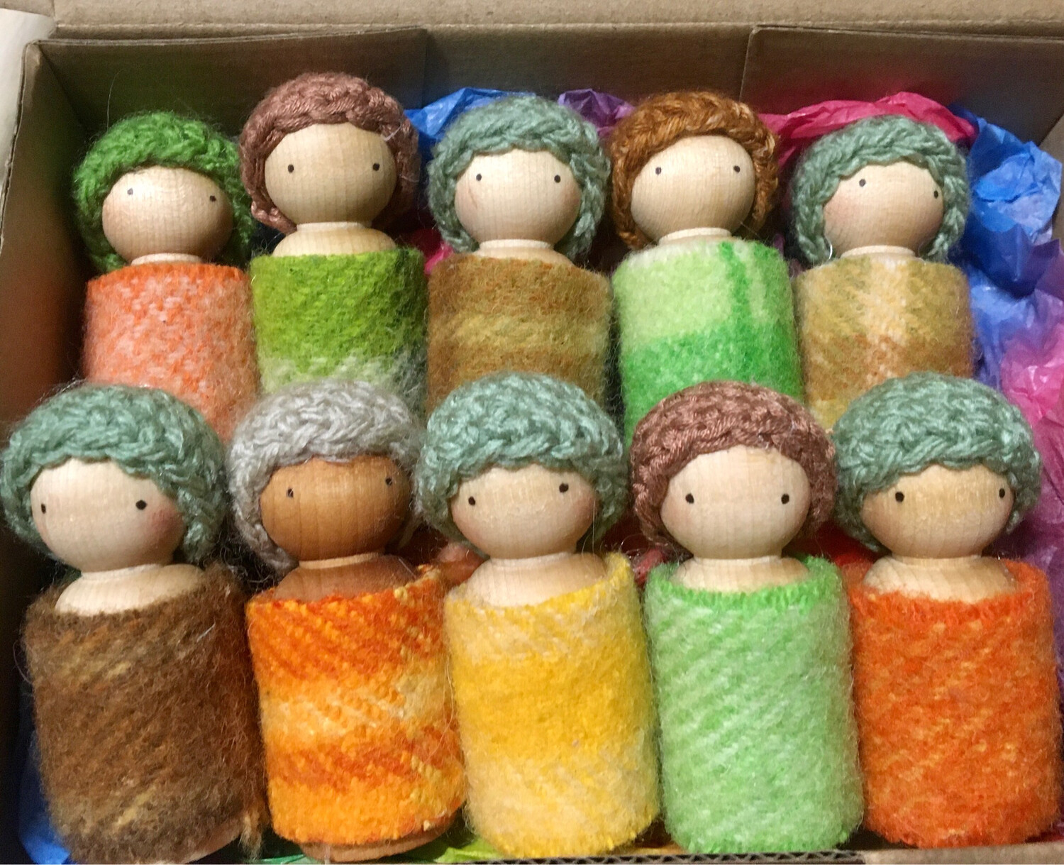 10 Pack x Earth / Autumn Toned 6 Cm Wooden Peg Doll Mixed Pack - No Wings. ( Colours Similar To Above Chosen At Random
