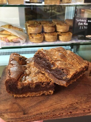 Biscoff Brownies Box