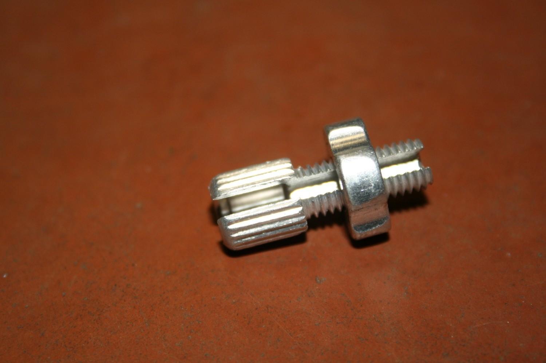 Натяжитель газа алюминиевый ф6