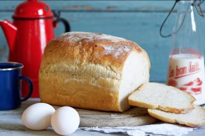 White Farmhouse Organic Bread 800g