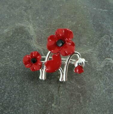 Brooch Poppies