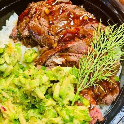 COMBO Budweiser Lager AND Meal-in-a-Bowl Teriyaki Steak
