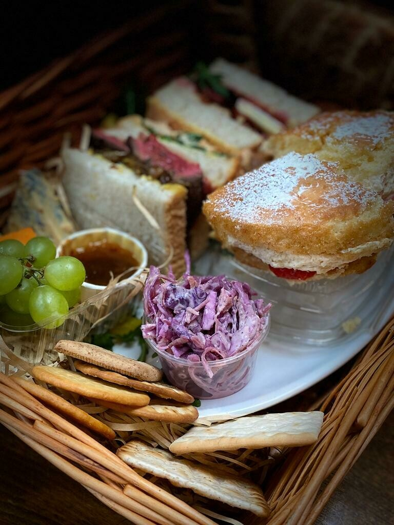Dad's Picnic Hamper for TWO  (20th & 21st only)