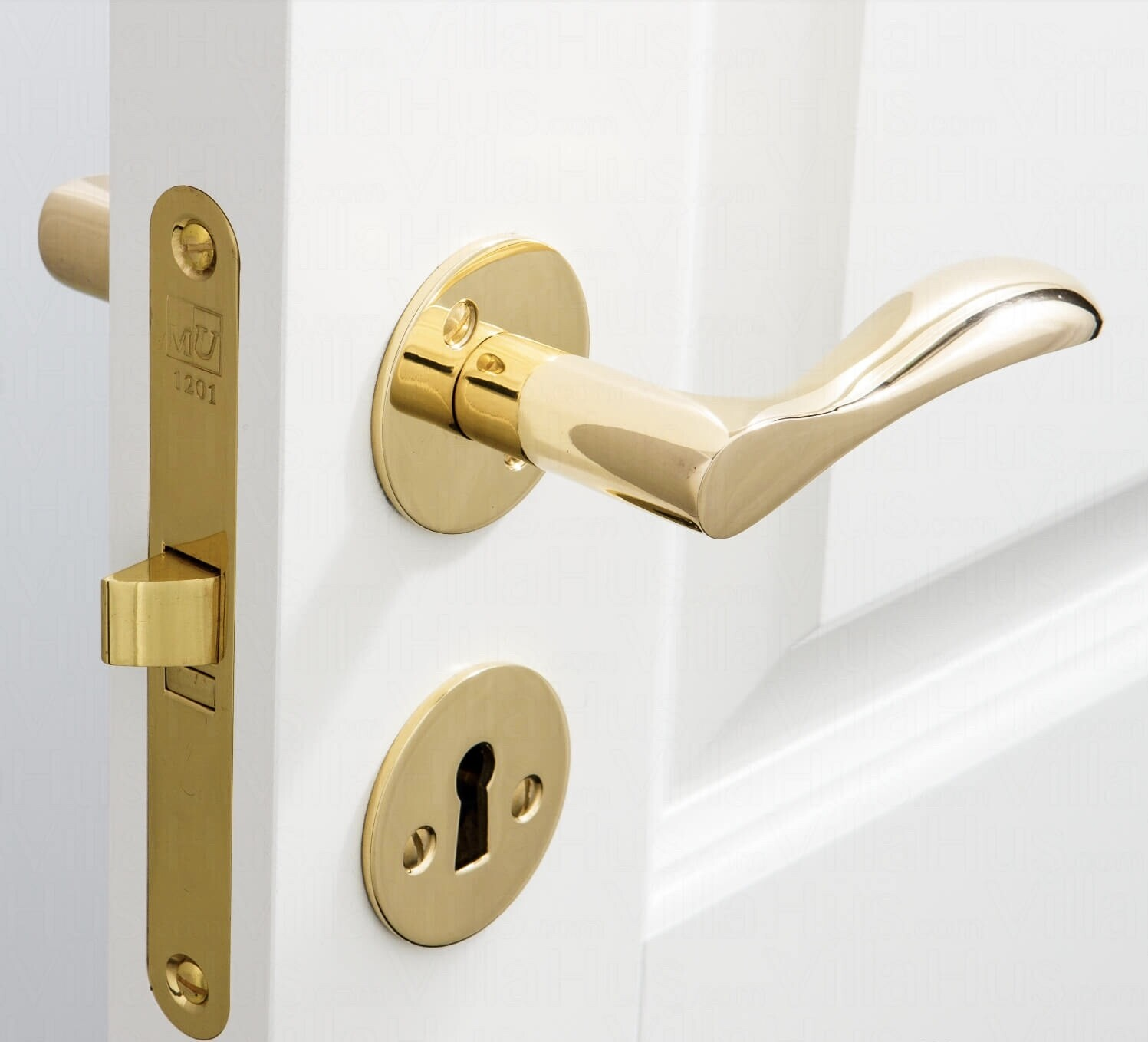 INTERNAL & EXTERNAL DOOR HANDLES (Prices vary)