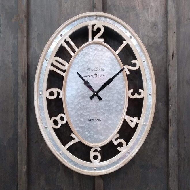 Timber/Metal Clock Oval