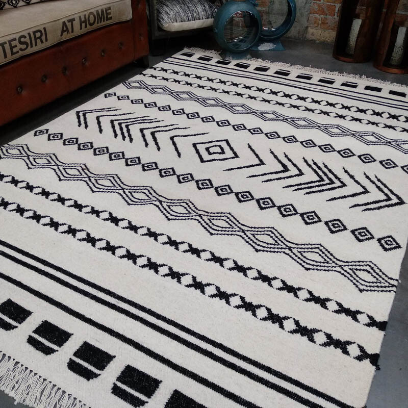 Kilim Rug - Black/White