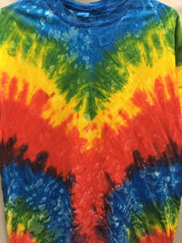 V Design Bright  - Tie Dye T-shirt - Size MEDIUM