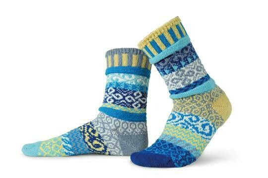 Air - Small - Mismatched Crew Socks - Solmate Socks