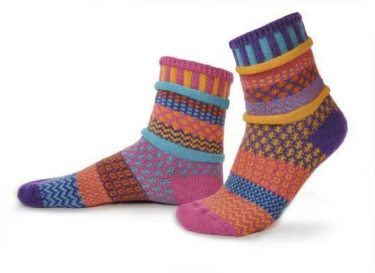 Carnation - Small - Mismatched Crew Socks - Solmate Socks