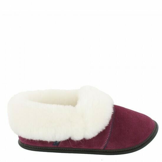 Ladies Low-cut - 9/10  Plum / White Fur: Garneau Slippers