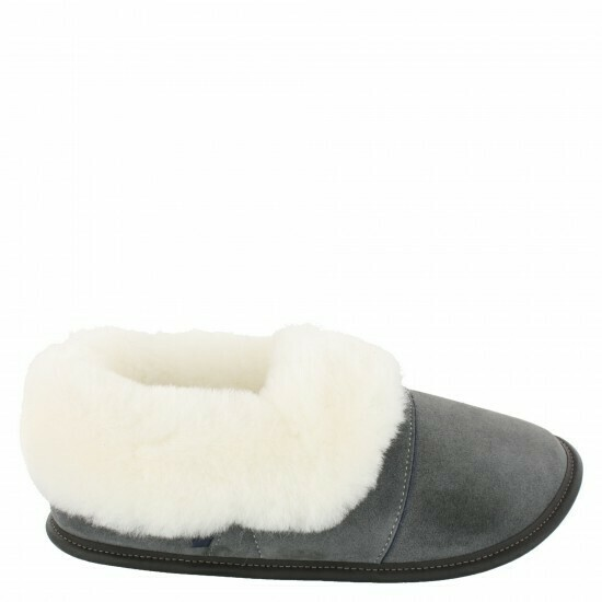 Ladies Low-cut - 9/10  Charcoal / White Fur: Garneau Slippers