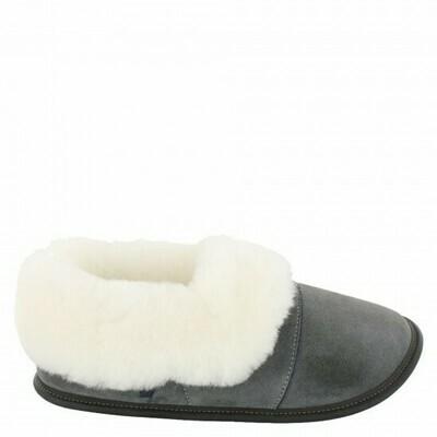Ladies Low-cut - 9/10  Charcoal / White Fur: Garneau Slippers