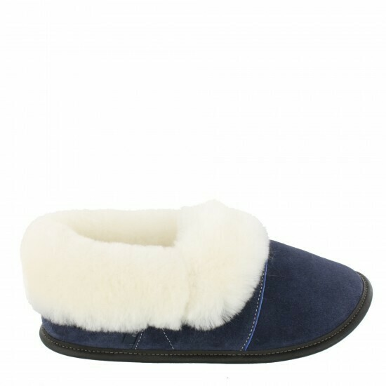 Ladies Low-cut - 10.5/11  Navy / White Fur: Garneau Slippers