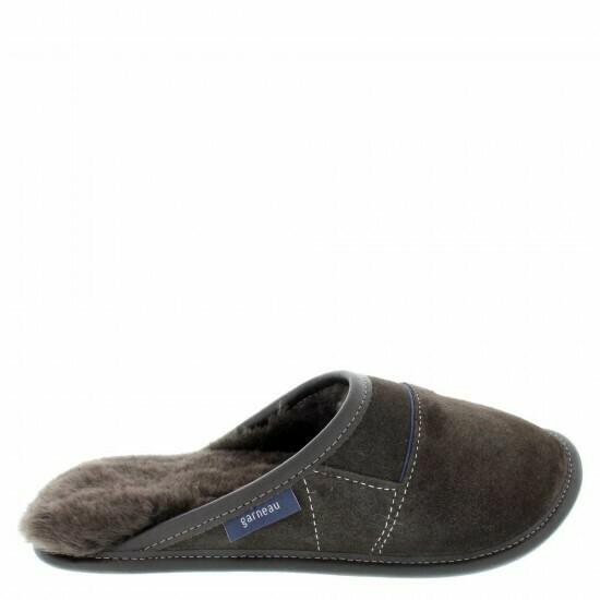 Mens Slip-on - 10.5/11.5  Brown / Brown Fur: Garneau Slippers