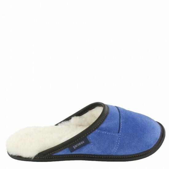 Ladies Slip-on - 9/10  Limoges  Blue / White Fur: Garneau Slippers