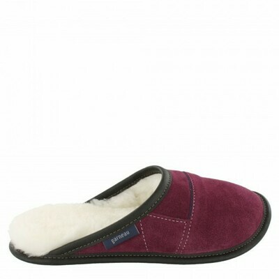 Ladies Slip-on - 9/10  Plum / White Fur: Garneau Slippers