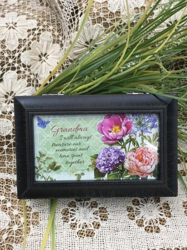 "Music Box - Grandma - Plays ""Everything is Beautiful"" - Natural Black"