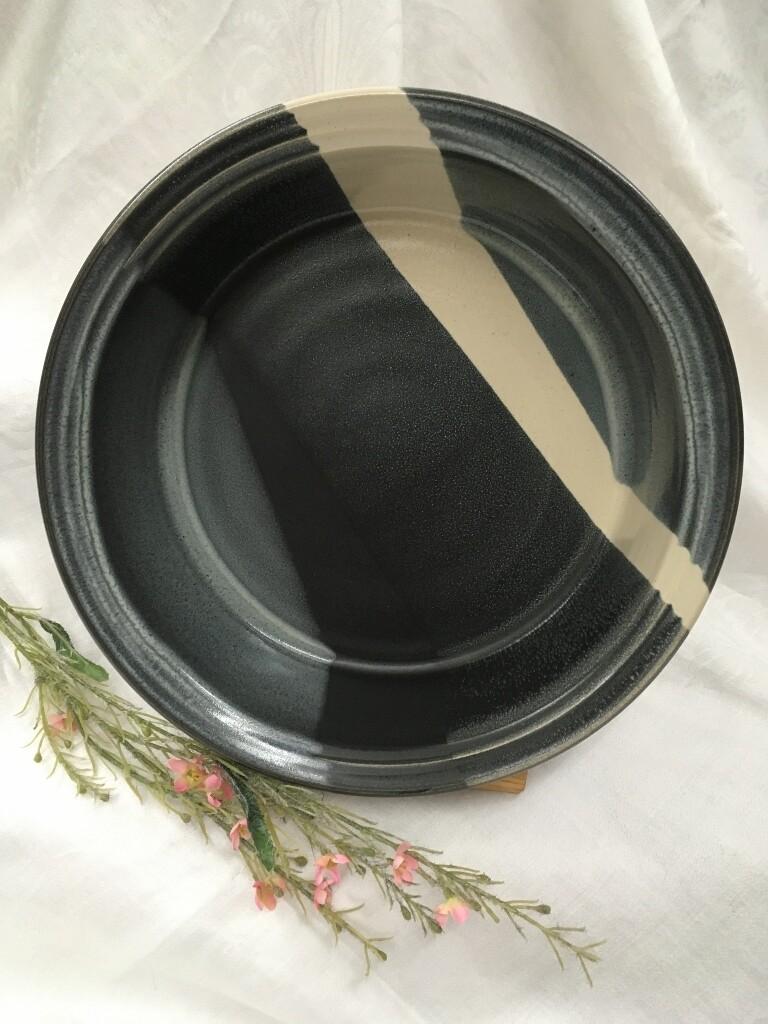 Veggie Bowl / Baker, Black & White - Pavlo Pottery - Canadian Handmade