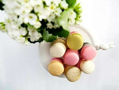 5 Gourmet Sweet Macarons