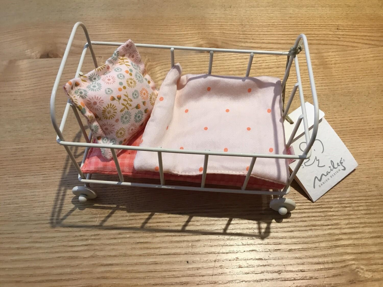 MAILEG Petit lit en métal pour petites souris, lapins, bébés