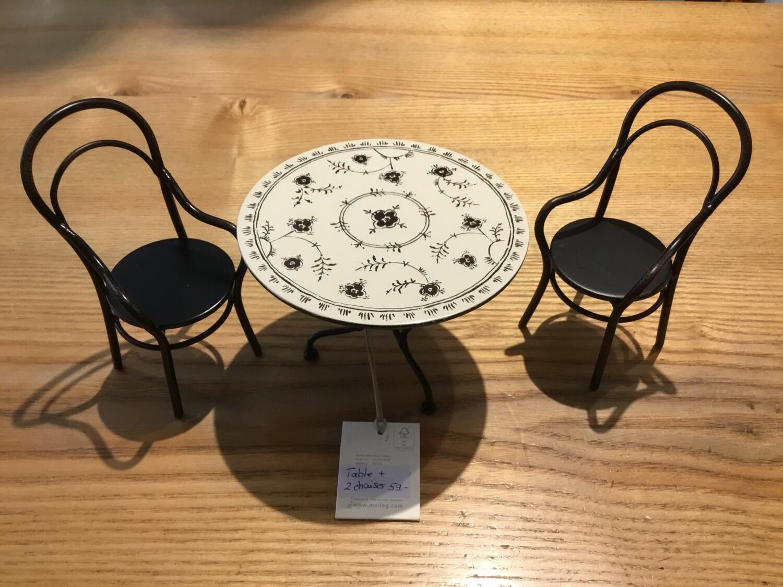 Maileg Ensemble table avec deux chaises Pour la famille souris