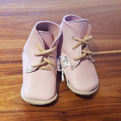 Leather Light Pink Vellies