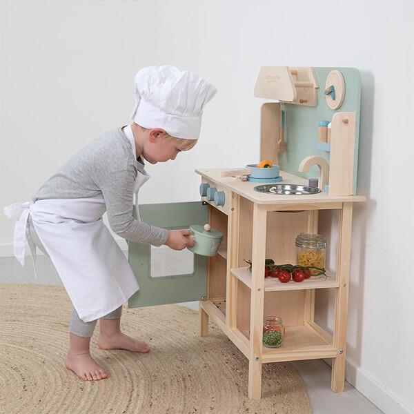 Little Dutch Wooden Kitchen