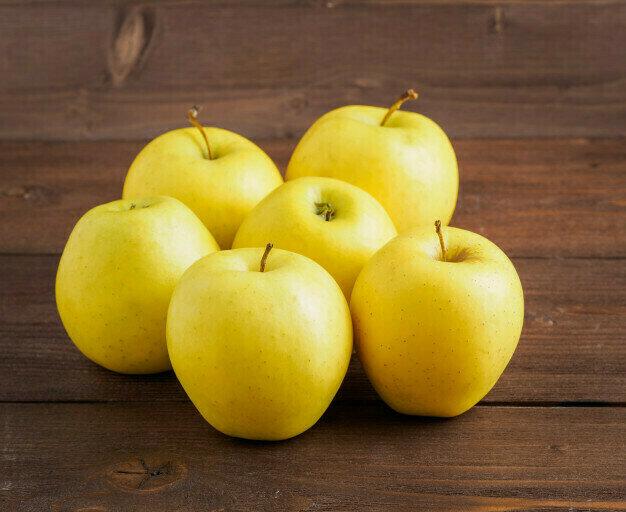 Apple Golden التفاح الأصفر (Kg) - Our Selection