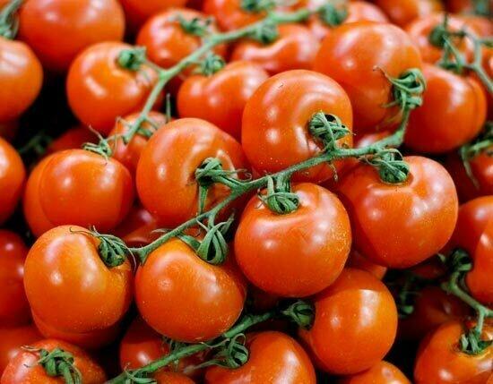 Tomato Cluster بندورة عنقودية (Kg) - Our Selection