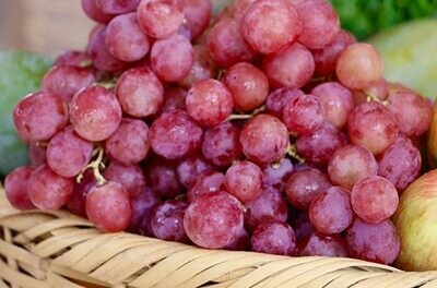 Grapes Red Globe عنب أحمر (Kg) - Our Selection