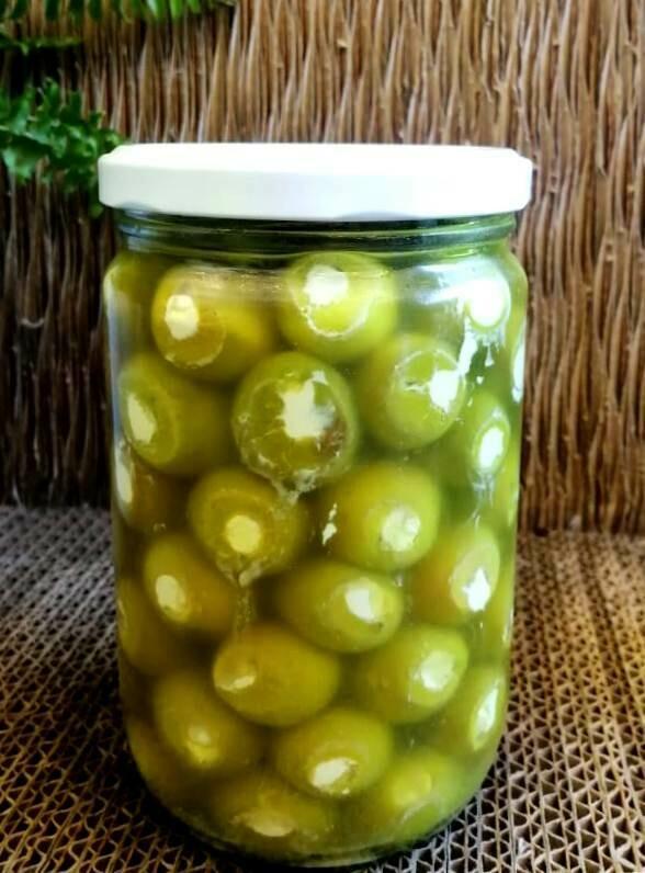 Olives stuffed with Goat Labneh زيتون محشي لبنة الماعز (Jar) - MBN Premium