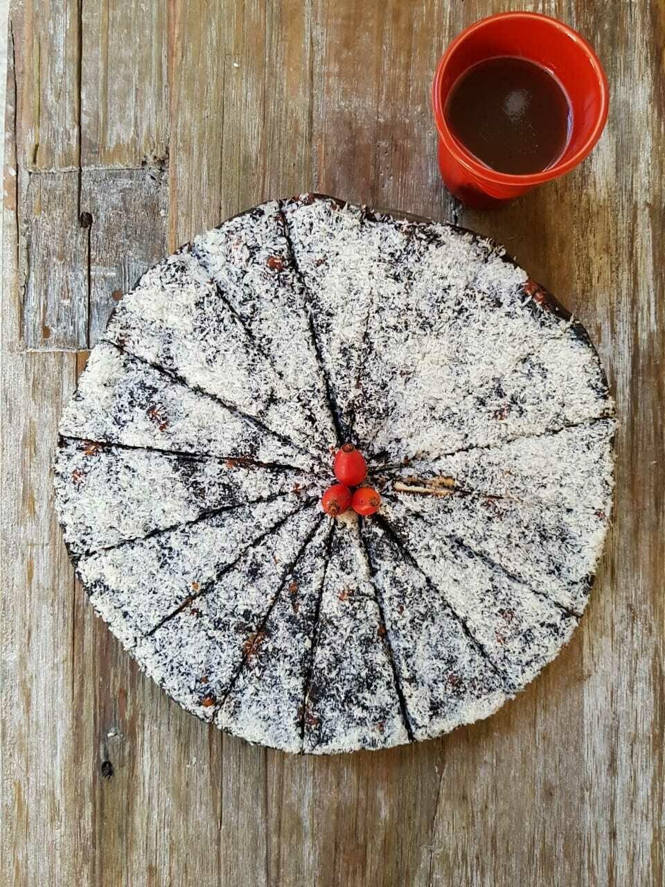 Chocolate Cake Vegan كيك الشوكولاتة نباتي (Piece) - Crafting Delices