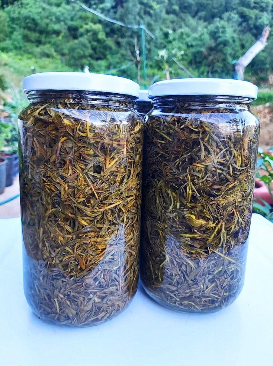 Thyme Pickles كبيس الزعتر (Jar) - Les Reserves du Grenier
