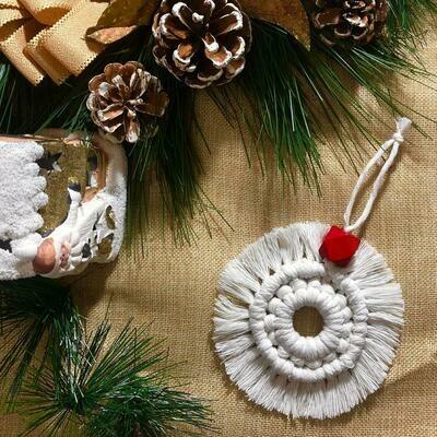 Macramé - Ornament Ball #3 (Piece) - Spot the Knot