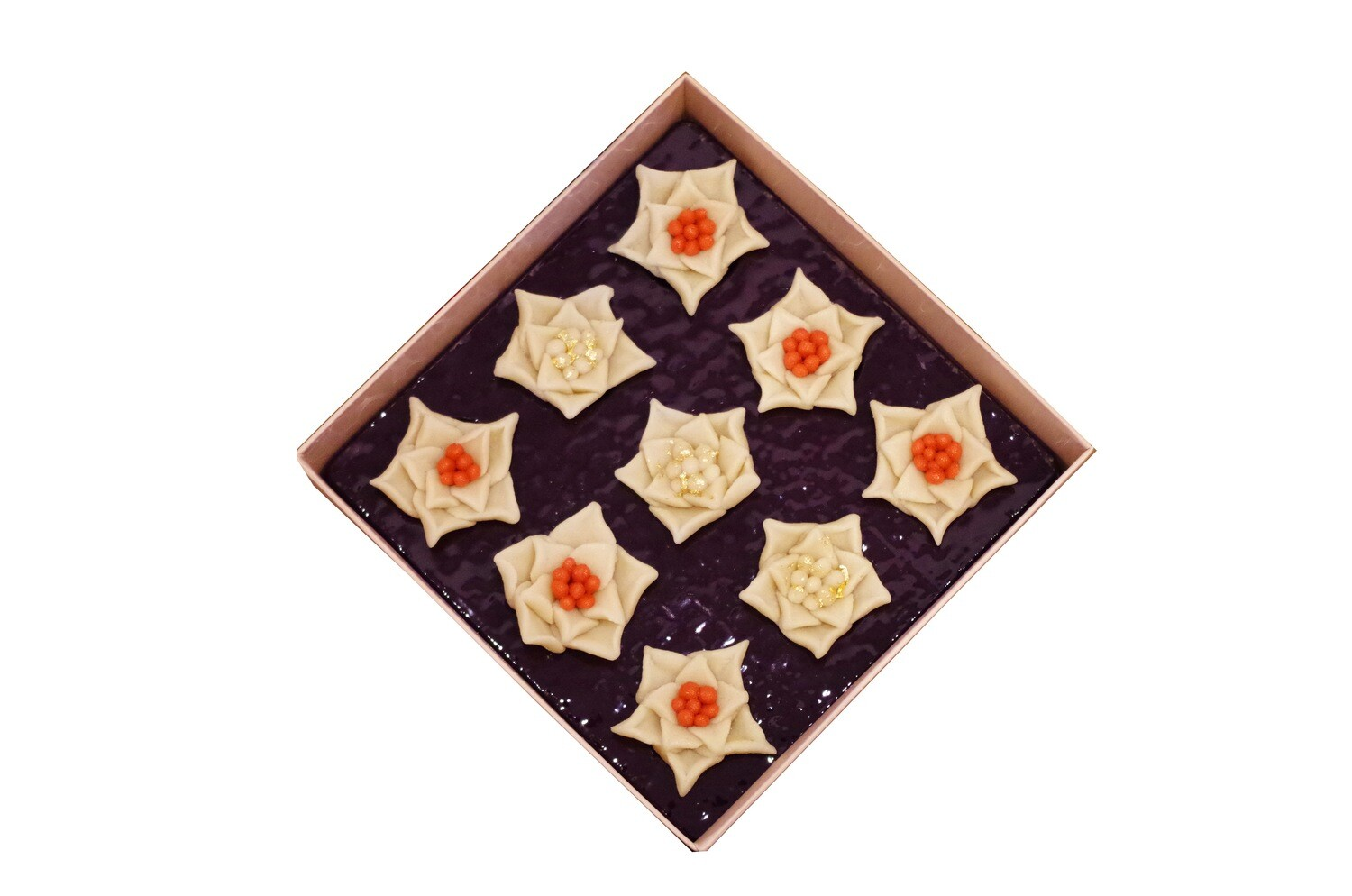 Marzipan Handcrafted Christmas Flowers with Gold Leaves (Box) - Le Marzipan de Zouk