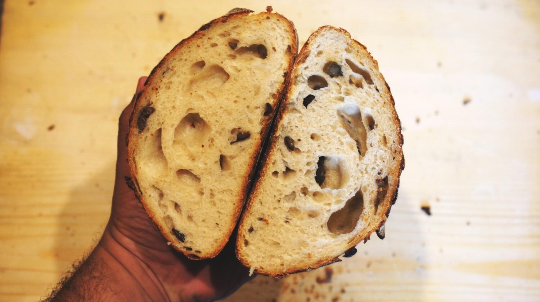 Sourdough Bread Black Olives خبز العجين المخمر زيتون أسود  (Piece) - Atelier n7