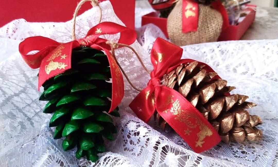 Ball Christmas Gold and Green Cones (Piece) - Pensee