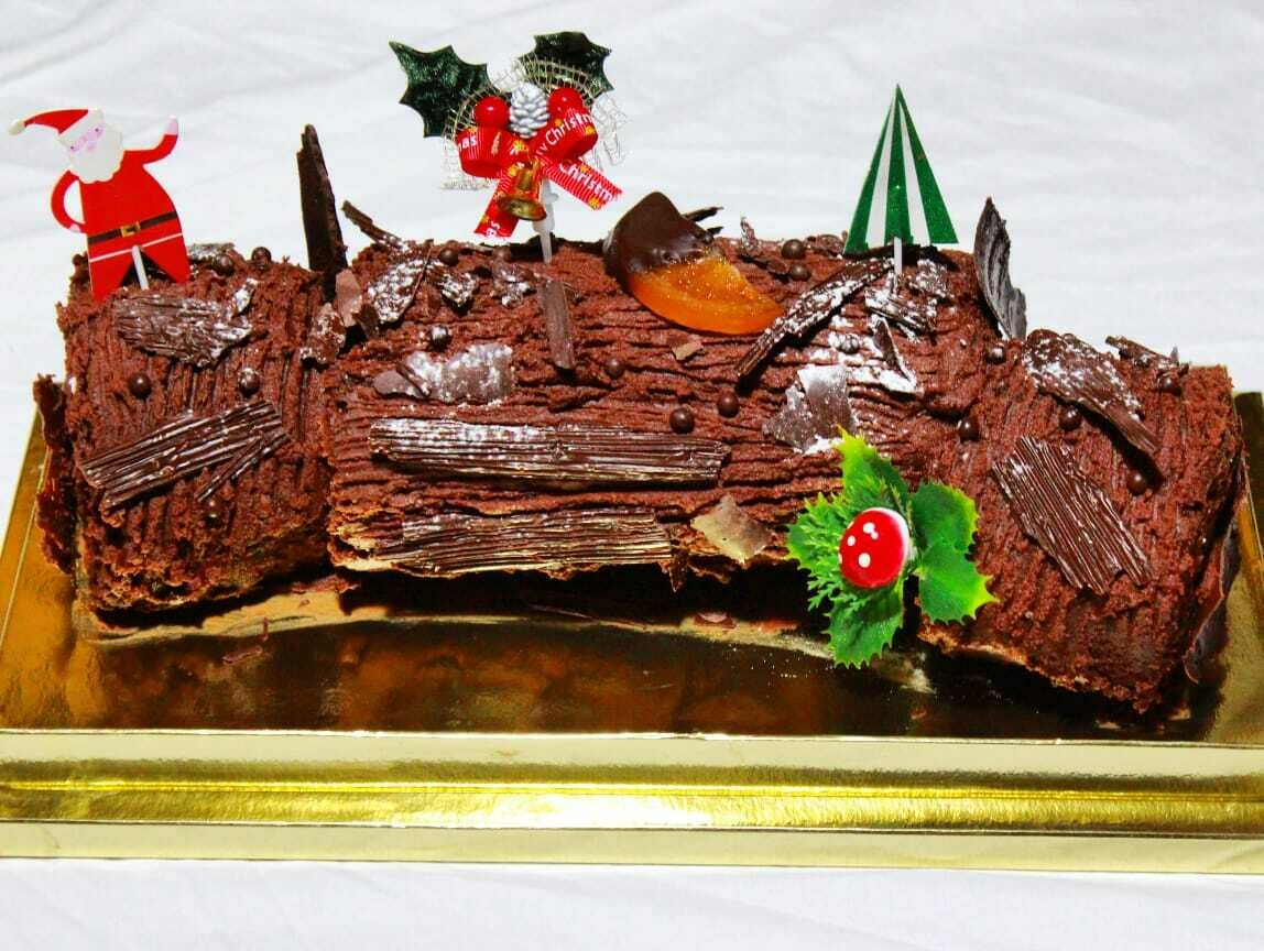Christmas Log Buttercream - Made by Nature