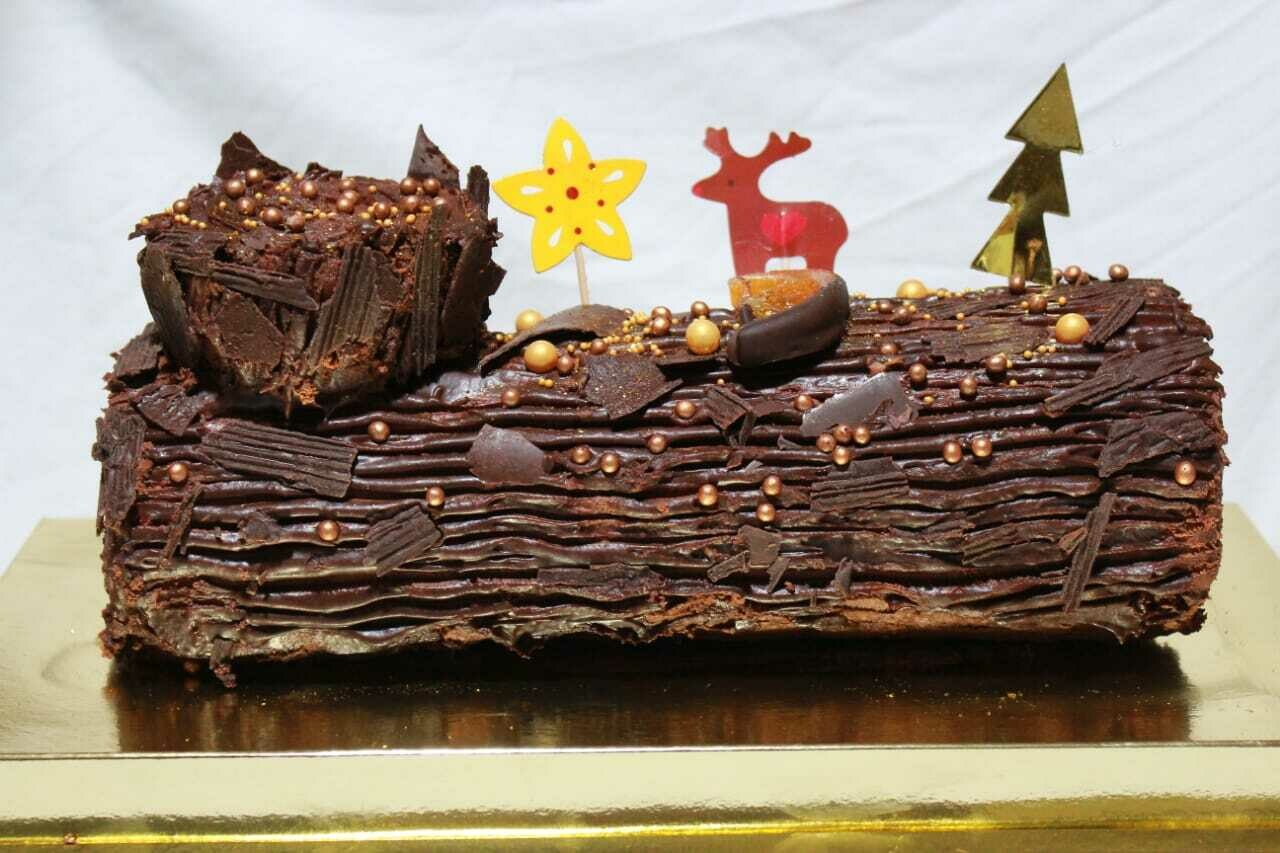 Christmas Log Chocolate - Made by Nature