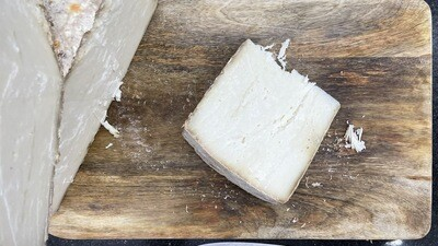 Hard Cheese Parmesan Style (Piece) - Gout Blanc